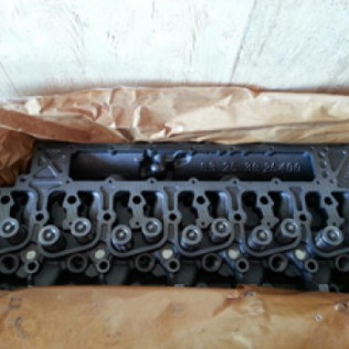 6BT 5.9 CUMMINS CYLINDER HEAD PT# 3913381V